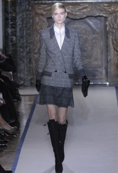Yves Saint Laurent Fall 2011 Runway Review