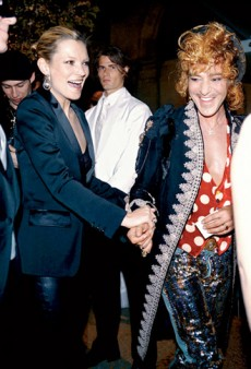 Is John Galliano Designing Kate Moss' Wedding Gown?; Alaia Disapproves of Karl Lagerfeld and Anna Wintour