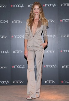 Rosie Huntington-Whiteley Suits Up to Launch 'Burberry Body' (Forum Buzz)