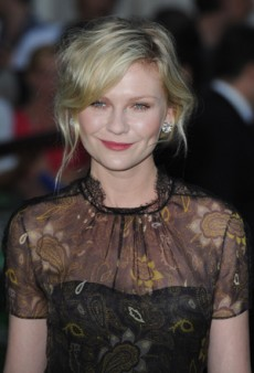 Kirsten Dunst Impresses On and Off Screen at the Premiere of 'Melancholia' (Forum Buzz)