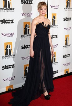Michelle Williams Wows in Nina Ricci at the 2011 Hollywood Film Awards (Forum Buzz)