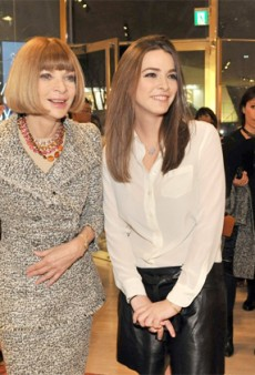 Anna Wintour Mobbed at Tokyo's First Fashion's Night Out