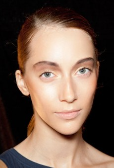 Tips and Tricks for Flawless-Looking Skin: A Healthy Winter Glow