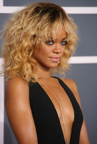 file_171955_0_Rihanna-grammy-cver
