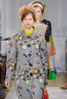 Moschino Cheap & Chic Fall 2012 Runway Review