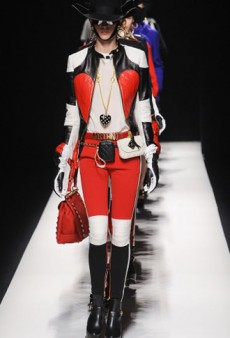 Moschino Fall 2012 Runway Review