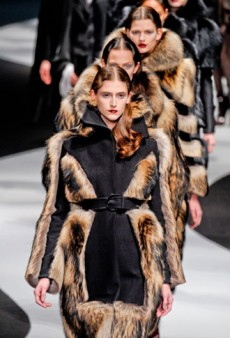 Viktor & Rolf Fall 2012 Runway Review