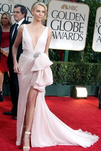 file_173571_0_charlize-theron-69th-annual-golden-globe-awards-jan-2012-cropped