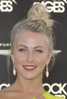 Look of the Day: Julianne Hough Wears Neon Kaufmanfranco to Rock of Ages Premiere
