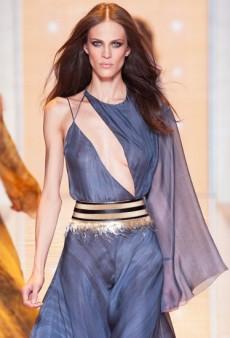 Link Buzz: Skin-Baring at MFW and Fashion Editor Illustratons