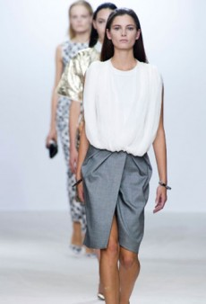 Giambattista Valli Spring 2013 Runway Review