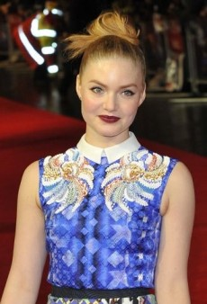 Look of the Day: Holliday Grainger Pulls Off Printed Peter Pilotto Ensemble