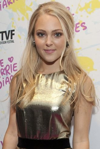 AnnaSophia Robb The Carrie Diaries Premiere New York City cropped