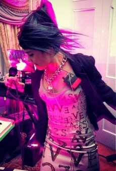 Grimes Performs in Donatella Versace's Living Room and Other Celeb Twitpics of the Week