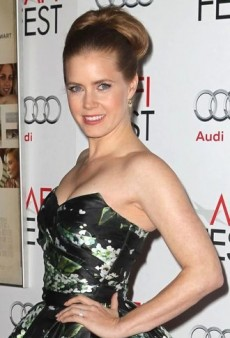 Look of the Day: Amy Adams Channels Old-School Glamour in Strapless Dolce & Gabbana Dress