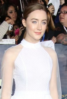 Look of the Day: Saoirse Ronan Finishes Off Her White Simone Rocha Dress with Tan Brogues