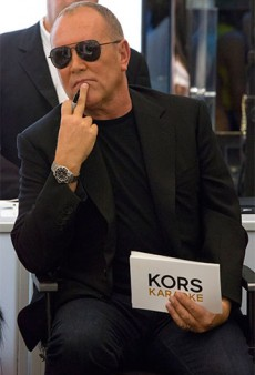 Link Buzz: Michael Kors to Leave Project Runway; Fake Lashes 101