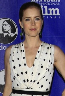 Look of the Day: Amy Adams Accepts Her Cinema Vanguard Award in Jenny Packham