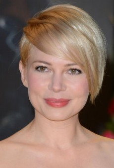 Get Glowing With Michelle Williams' Fresh Beauty Look