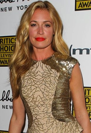 Cat-Deeley-2013-Critics-Choice-Television-Awards-Beverly-Hills-portrait-cropped
