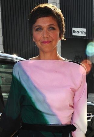 Maggie-Gyllenhaal-outside-The-Daily-Show-New-York-City-portrait-cropped