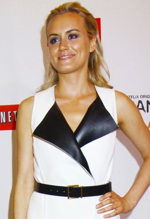 Taylor-Schilling-Orange-Is-the-New-Black-premiere-New-York-City-portrait-cropped