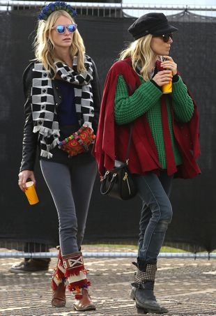 Poppy-Delevingne-and-Sienna-Miller-2013-Glastonbury-Festival-Day-4-portrait-cropped
