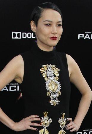Rinko-Kikuchi-Los-Angeles-Premiere-of-Pacific-Rim-portrait-cropped