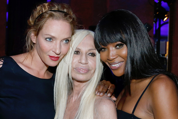 Uma Thurman, Donnatella Versace and Naomi Campbell backstage at Versace Haute-Couture Fall/Winter 2013-2014, image: Photo by Bertrand Rindoff Petroff/Getty Images