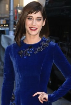 Lizzy Caplan Crushes on Velvet in Alberta Ferretti's Fall 2013 Embroidered Dress