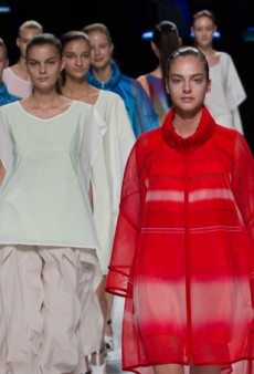 Issey Miyake Spring 2014: Innovative Textiles Take Center Stage