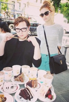 Holland Roden's Serious Cake Crawl and Other Celeb Twitpics of the Week