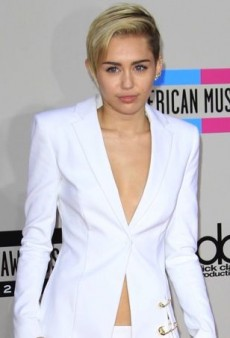 Miley Cyrus Tones it Down for the American Music Awards in Versus Versace