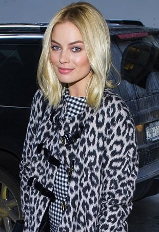 Margot-Robbie-The-Wolf-of-Wall-Street-Luncheon-New-York-City-portrait-cropped