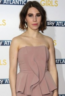 Zosia Mamet Glams Up for the Girls Season 3 London Showing in Elisabetta Franchi