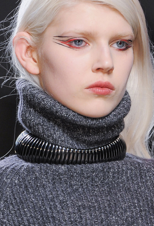 Beauty report a pop of metal at emporio armani fall 2017