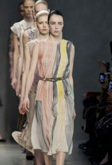 Bottega Veneta Shows a Dress-Heavy Fall 2014 Collection (Runway Review)