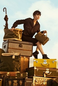 "Louis Vuitton Drops Its ""Spirit of Travel"" Campaign with Karen Elson and Edie Campbell"
