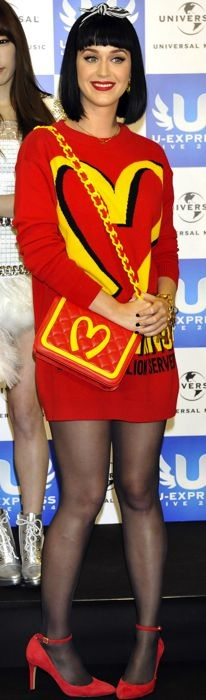 Katy-Perry-and-Girls-Generation-the-U-Express-Live-2014-Press-Conference-Japan-final