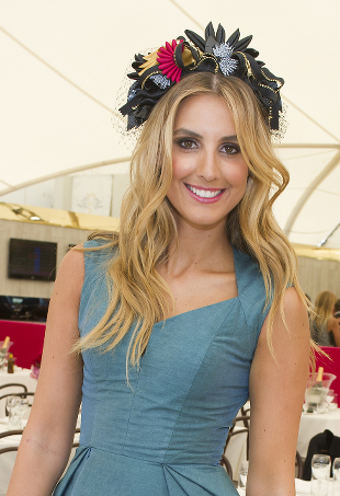 Get the Look: Myer Ambassador Laura Dundovic at The BMW Sydney Carnival Cellarbrations Ladies Day - theFashionSpot
