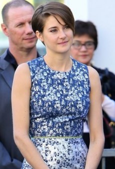 Shailene Woodley Praises Kate Winslet in Preen's Pre-Fall 2014 Flower Jacquard Dress