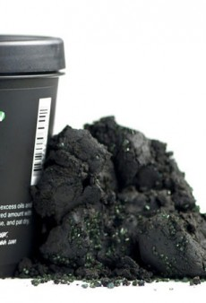 Charcoal-Based Beauty Products Are Like a Vacuum for Your Pores