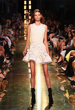 Too-Thin-Models-MBFWA-P