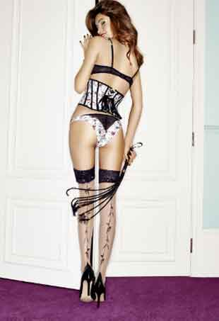 giles-deacon-ann-summers-door-620