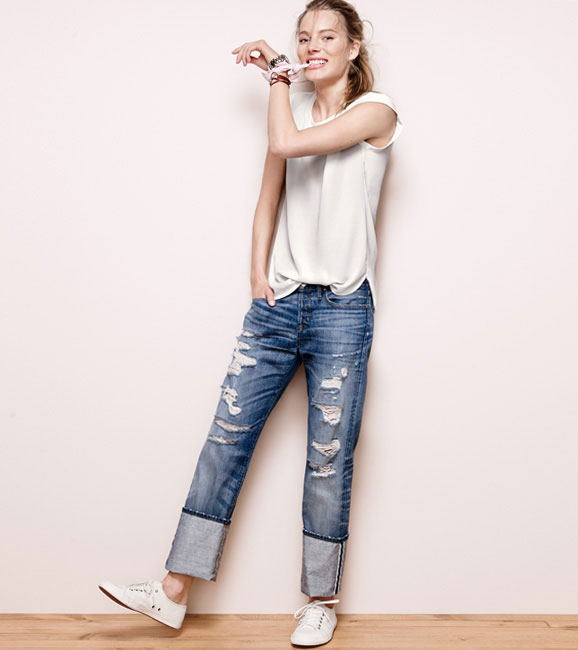 J.Crew slouchy tee, rolled up jeans and sneakers