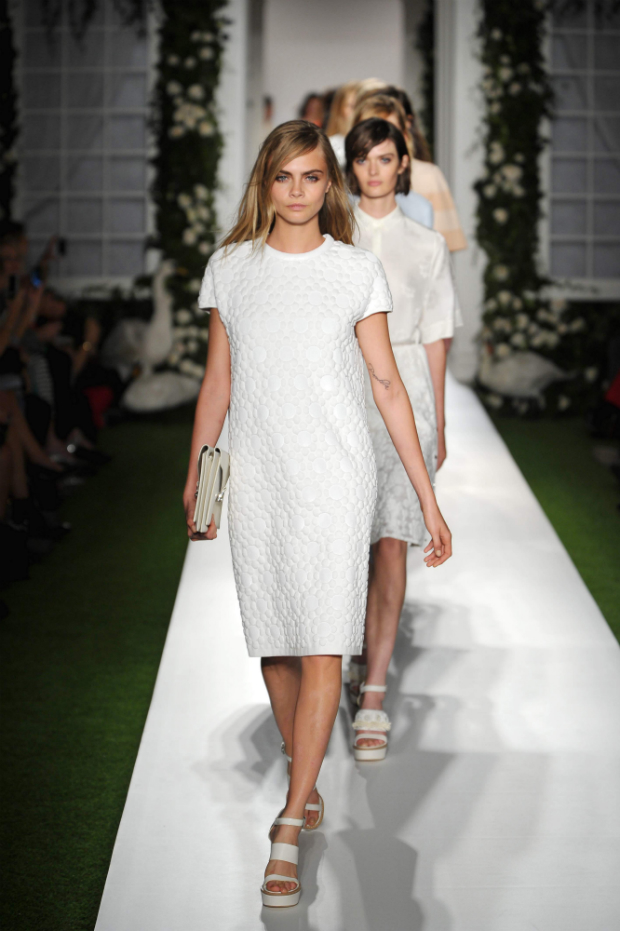 Cara Delevingne on Mulberry Spring 2014 runway