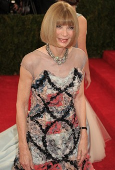 Link Buzz: A History of Anna Wintour at the Met Gala; Tinder for Shoes
