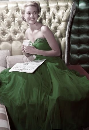 Grace-Kelly-wearing-a-green-dress-for-St-Patricks-Day-1954-portrait-cropped