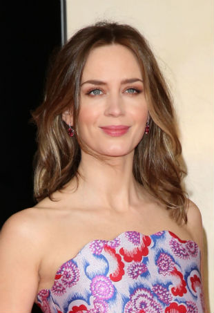 Emily-Blunt-Edge-of-Tomorrow-Premierep