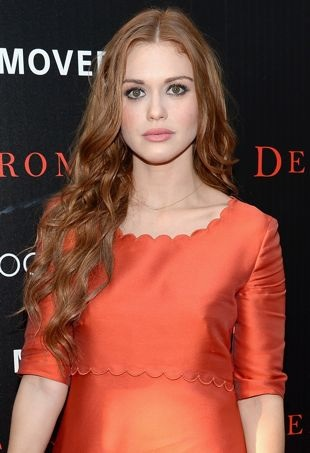 Holland-Roden-New-York-Premiere-of-Deliver-Us-from-Evil-portrait-cropped